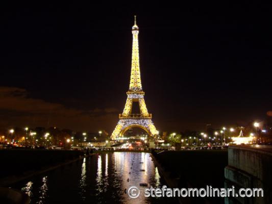 Eiffel-Tower-00.jpg